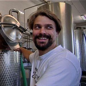Kalle Valkonen on yksi viidestä Kyrö Distilleryn yrittäjästä.