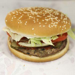 Burger Kingin Whopper-hampurilainen.