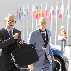 Latvian oikeusministeri Dzintars Rasnačs (vasemmalla) vierailulla Luxemburgissa kesäkuussa 2015.