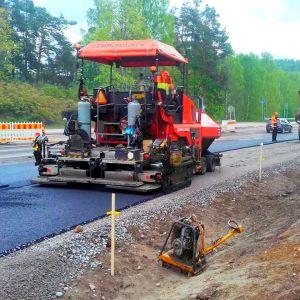Tulevaa pyörätietä ja työnaikaista kiertotietä rakennetaan Viiskulmassa.
