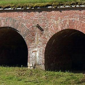 Kyminlinnan muuri.