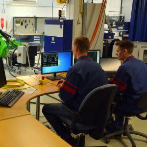 Valmet Automotiven tuotekehityspuolella testataan Avantin e5:n uutta versiotaa.