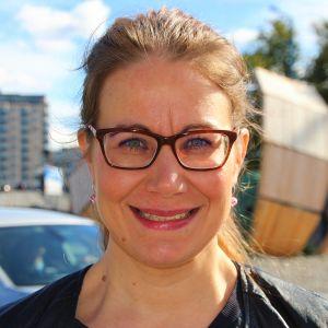 Työterveyspsykologi Tanja Hirvonen.
