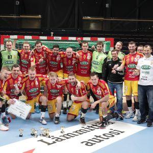 Cocks juhli käsipallon Suomen cupin voittoa.