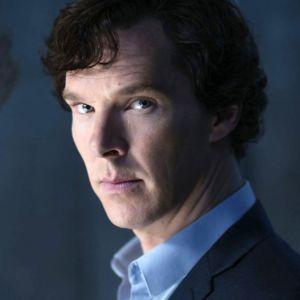Sherlock Holmes on sittenkin mies, joka pystyy näyttämään tunteitaan.