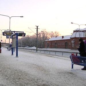 Hämeenlinnan talvinen asemalaituri