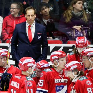 HIFK:n päävalmentaja Antti Törmänen.
