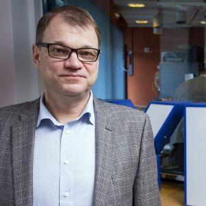 Keskustan pääministeri Juha Sipilä Yle Radio Suomen Pääministerin haastattelutunti -ohjelmassa Mikkelissä 18. maaliskuuta
