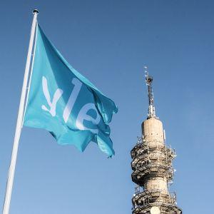 Yle Linkkitorni ja lippu.