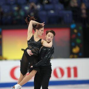Cecilia Törn ja Jussiville Partanen taitoluistelun MM-kisoissa 2017.