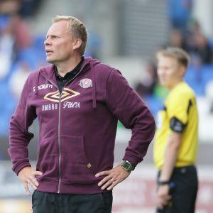 FC Lahden päävalmentaja Toni Korkeakunnas.