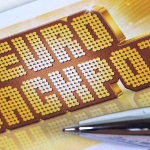 Eurojackpot-logon vieressä on kuulakärkikynä.
