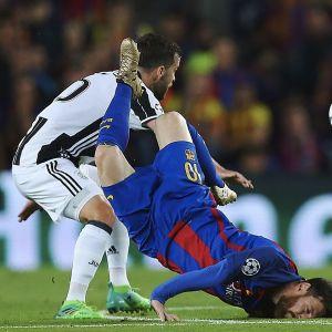 Lionel Messi koki kovia Juventusta vastaan.