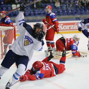 Jesse Ylönen on vienyt Suomen 1-0-johtoon.