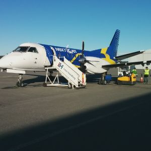 Nextjetin lentokone Porin lentokentällä.