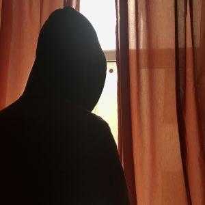 Tšetšeniasta paenneet homot eivät halua paljastaa henkilöllisyyttään oman ja läheistensä turvallisuuden vuoksi