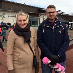Laura Nupponen ja Petri Kettunen muuttivat Karhunmäen kaupunginosaan viitisen vuotta sitten.