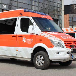 Essoten uusi ambulanssi.