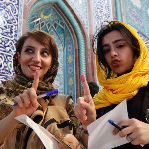 iranilaisia äänestäjiä