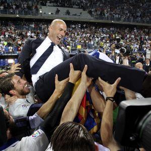 Zinedine Zidane juhlinnan keskipisteenä.
