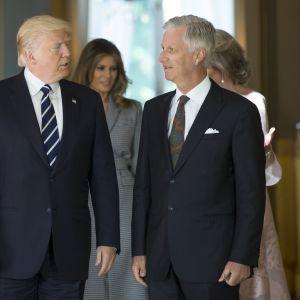 Belgian kuningas Philippe (oik.) otti vastaan Yhdysvaltain presidentin Donald Trumpin kuninkaanlinnassa.