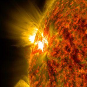 Lähikuva auringon pinnasta. NASA on ottanut kuvan marraskuussa 2014.
