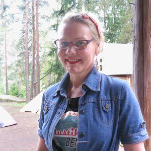 Näyttelijä Sari Virtanen.