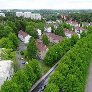 Asuinrakennuksia Mäntymäen alueella Turussa.