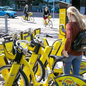 Kaupunkipyörän latauspiste.