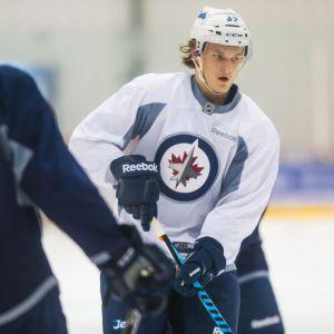 Sami Niku Jetsin nuorten pelaajan kehitysleirillä.