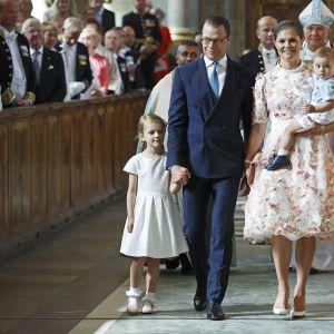 Prinsessa Victoria perheineen kuninkaanlinnan kirkon käytävällä Victorian 40-vuotispäivän kunniaksi järjestetyssä kiitosjumalanpalveluksessa.