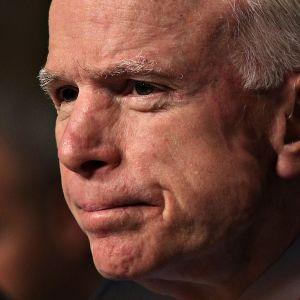 John McCain helmikuussa 2017.