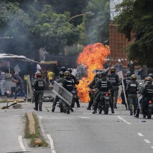 Levottomuuksia Caracasissa Venezuelassa 20. heinäkuuta 2017.