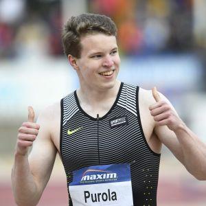 17-vuotias pikajuoksulupaus Samuel Purola iloitsee voittoa ja uutta SE-aikaa miesten 100 m juoksussa yleisurheilun IAAF World Challenge sarjan Paavo Nurmi Games kilpailuissa Turussa 13. kesäkuuta 2017.