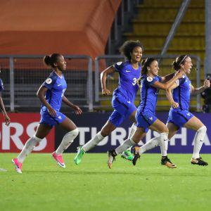 Ranskan joukkue juhlii jatkopaikkaa naisten EM-kisoissa 2017