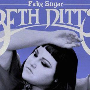 Beth Ditton debyyttisooloalbumi Fake Sugar julkaistiin kesäkuussa.