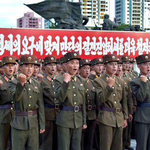 sotilasparaati Pjongjangissa
