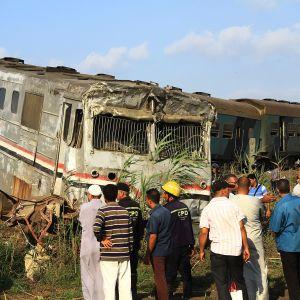 Junaonnettomuuden tuhoja Alexandriassa.