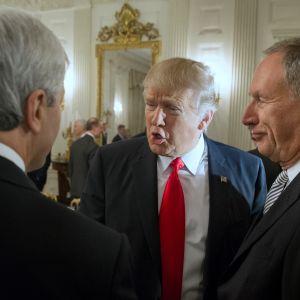 Trump ja toimitusjohtajat