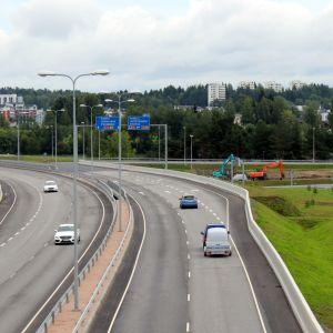 Autoja valtatie viidellä Mikkelissä.