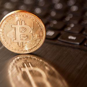 Bitcoin raha symboli.