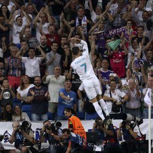 Cristiano Ronaldo tuuletti maaliaan