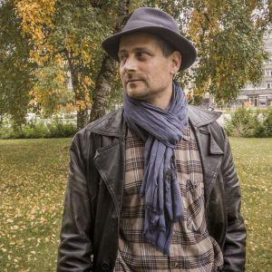 Pastori Árpád Kovács on vihkinyt samaa sukupuolta olevan parin ja joutunut tuomiokapitulin tutkittavaksi.