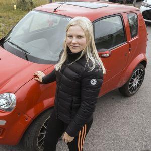 Ida-lotta Nousiainen on ajanut mopoautollaan yli 20 000 kilometriä.