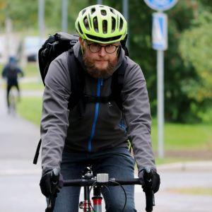 Oulun polkupyörälijöiden puheenjohtaja Pasi Haapakorva