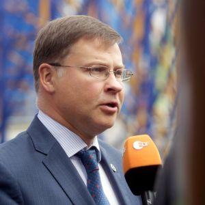 EU-komission varapuheenjohtaja Valdis Dombrovskis valtiovarainministerien kokouksessa Tallinnassa.