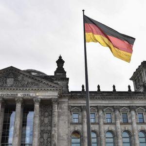 Saksan valtiopäivätalo, Reichstag, Berliinissä.