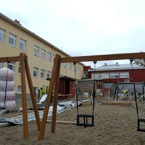 Katajarannan entinen koulu.
