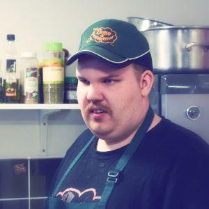 Markus Lehtonen Ihme ja kumman keittiössä.