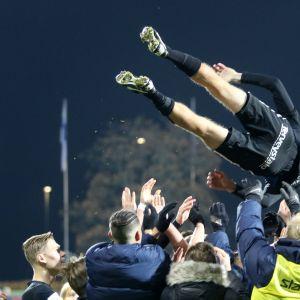 FC Interin Henri Lehtosta juhlitaan